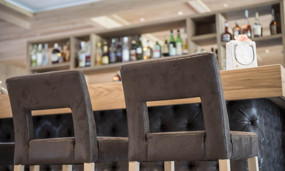 Round off your evening in style at the hotel bar
