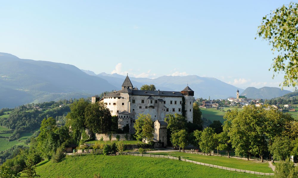 A hoard of culture: Prösels Castle