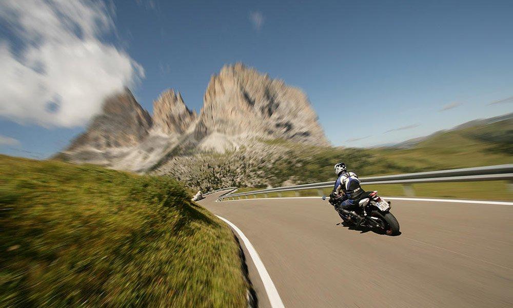 Zwei Motorradrouten für Sie