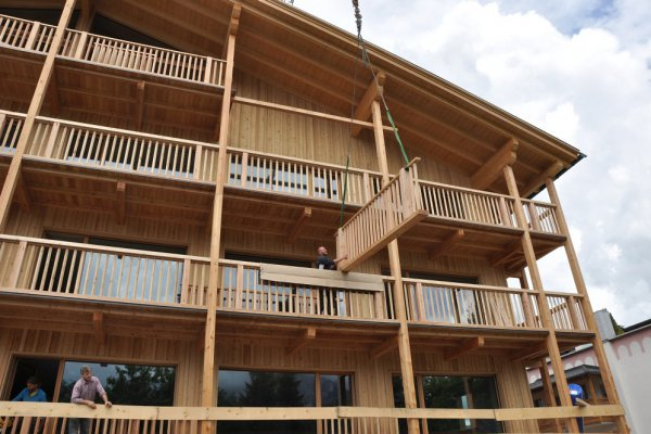 Die Befestigung der Balkone ist beeindruckend.