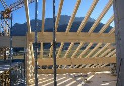 Die Dachtragstruktur nimmt Form an.