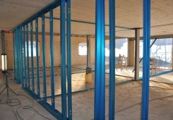 Einbau der Trennwände im 3. Obergeschoss.
