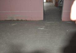 In der 1. Etage ist der Unterboden begehbar sowie die Trennwände geschlossen.