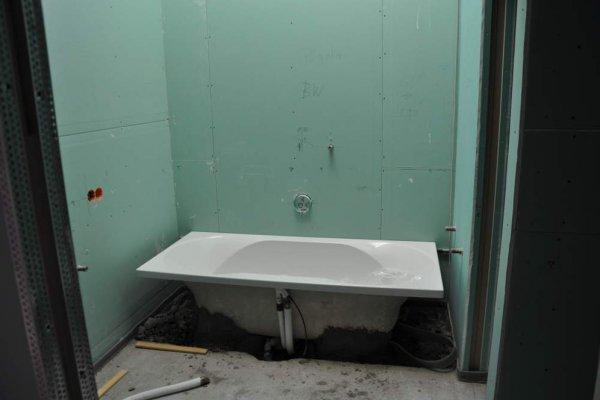 Die Badewannen sind platziert...