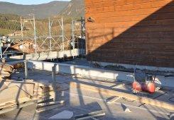2. Obergeschoss Einschalen der Decke im 3. Obergeschoss.und Abfangung der Decke oberhalb Rezeption und Büro.